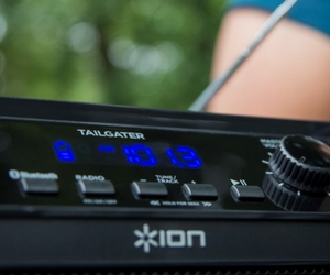 Has built-in radio tuner